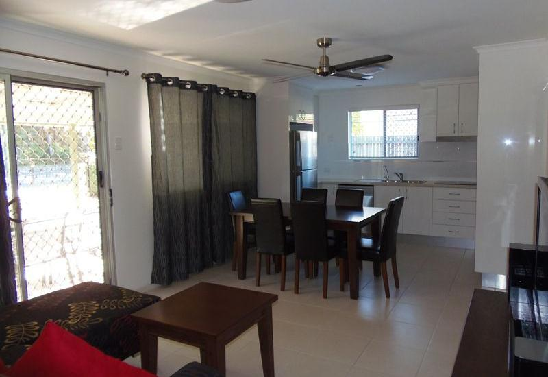 Pet Friendly, Fully Fenced, Air Conditioned,...