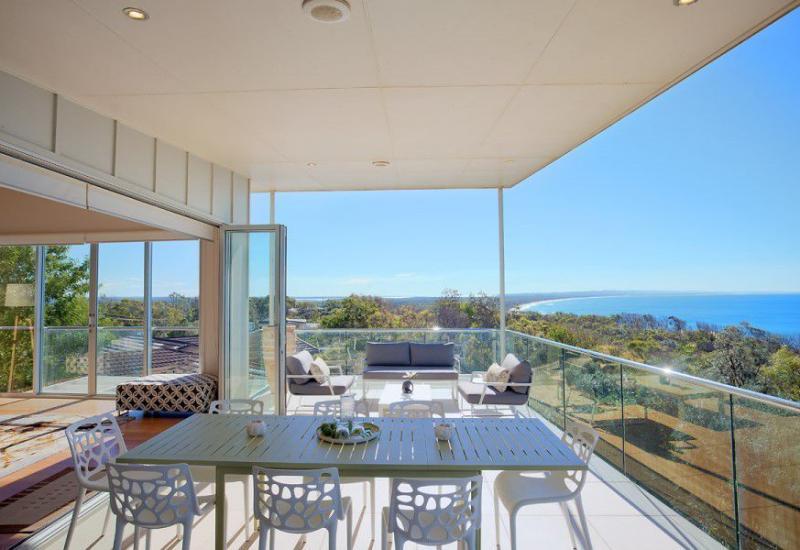 Languid - Magnificent Executive Beach House
