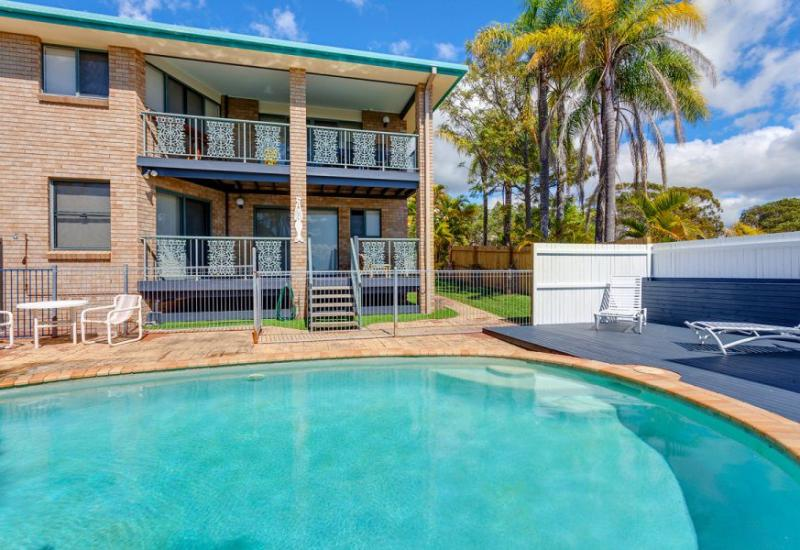 Gorgeous ocean views, swimming pool and air conditioning