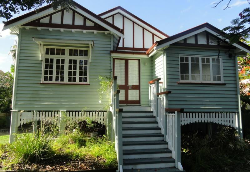CHARMING 3 BED QUEENSLANDER