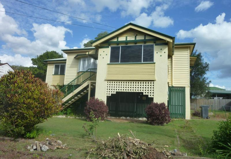 CHARMING QUEENSLANDER - Views