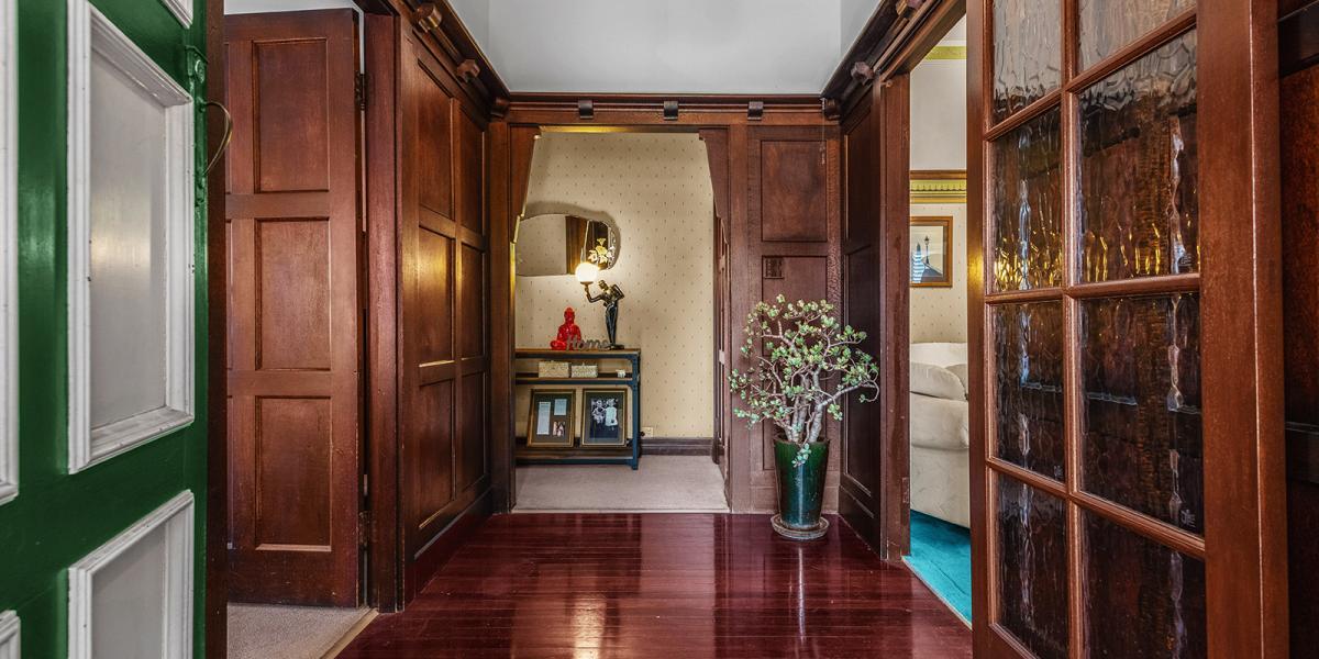 'Windsor' A Beautiful Art Deco Home