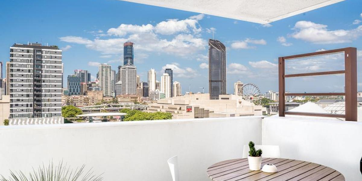 Sensational Views, Central Location and a Strong Rental Return