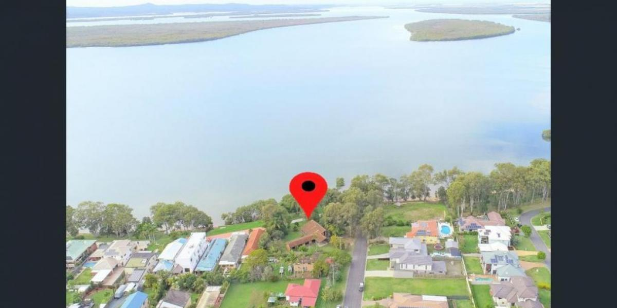 Superb 1953m2 Waterfront Property on 4 Titles