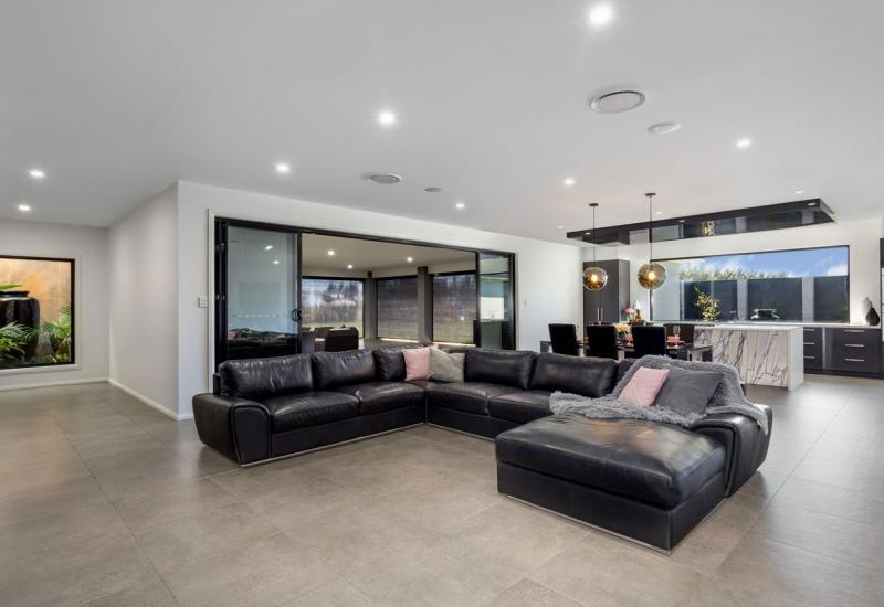 THE ULTIMATE IN LUXURY LIVING!!!