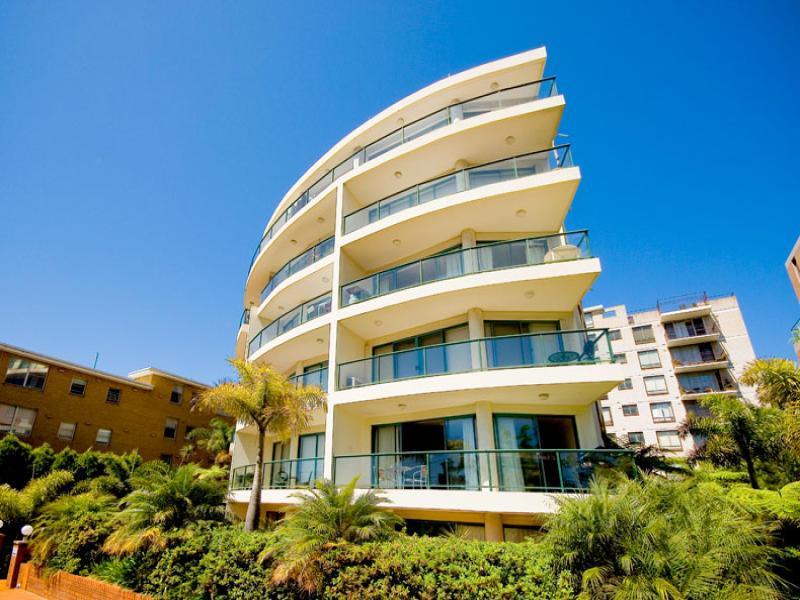 DEPOSIT TAKEN - Good sized apartment in great location