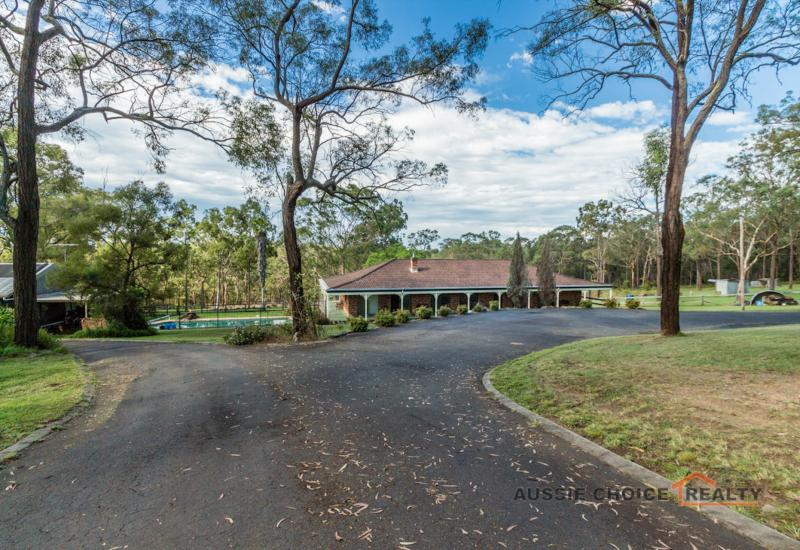 7.5 Acres With Family Home + Granny Flat