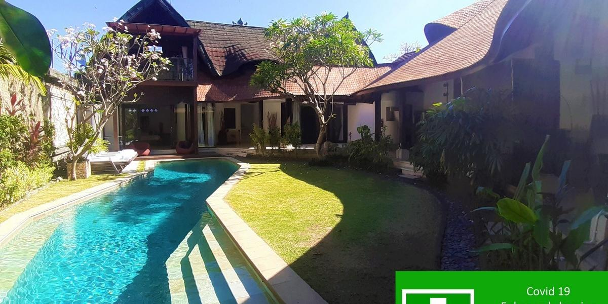 Villa Timang - Captivating Poolside Villa Steps from Jimbaran Beach