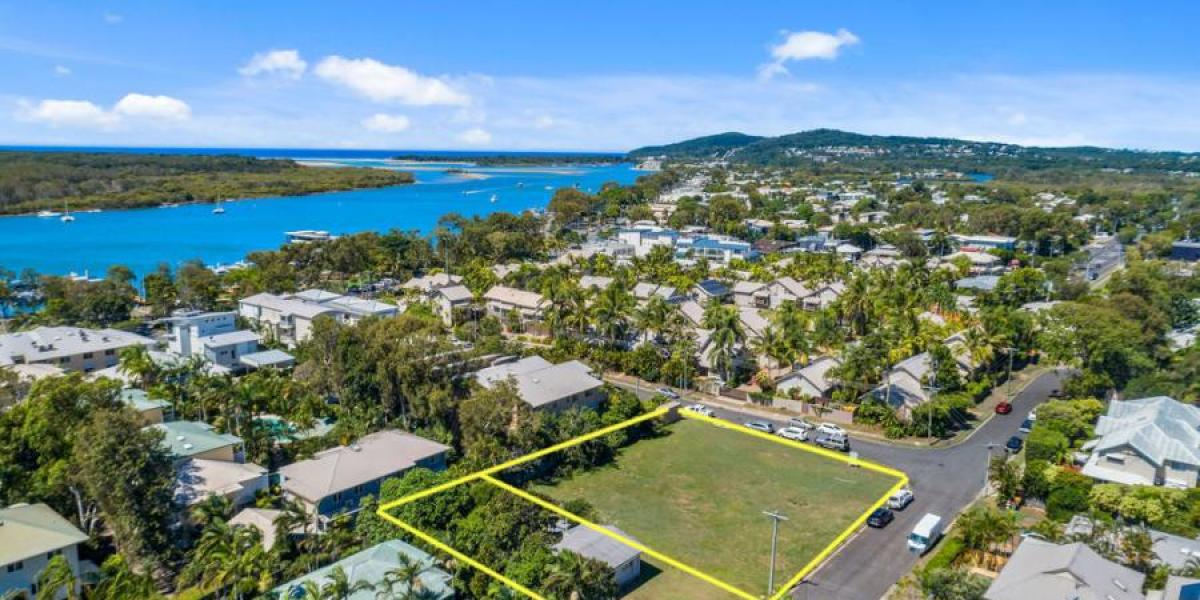 SENSATIONAL TOWNHOUSE DEVELOPMENT SITES / 2 AND 4 NOLA STREET NOOSAVILLE