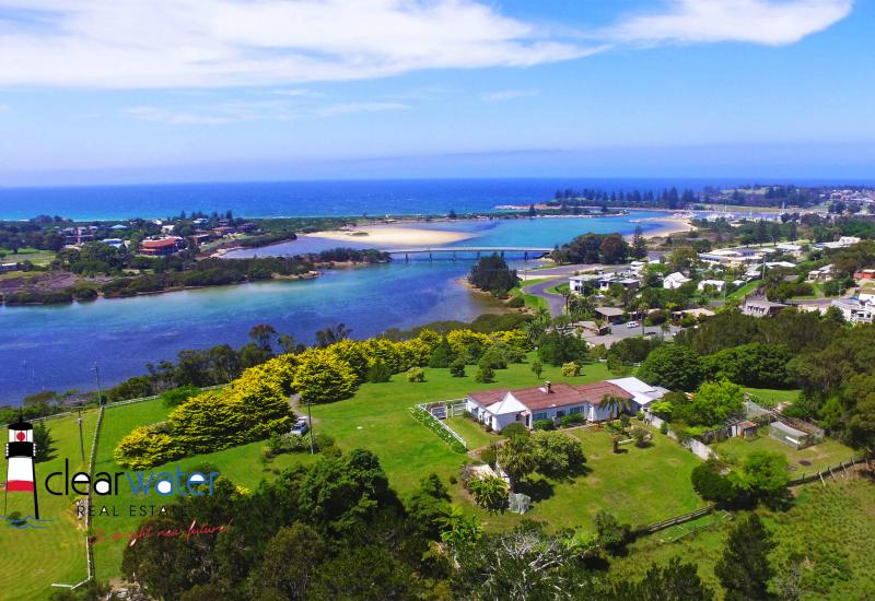 Panoramic Views - 1.39 ha - Subdivision Potential (stca)
