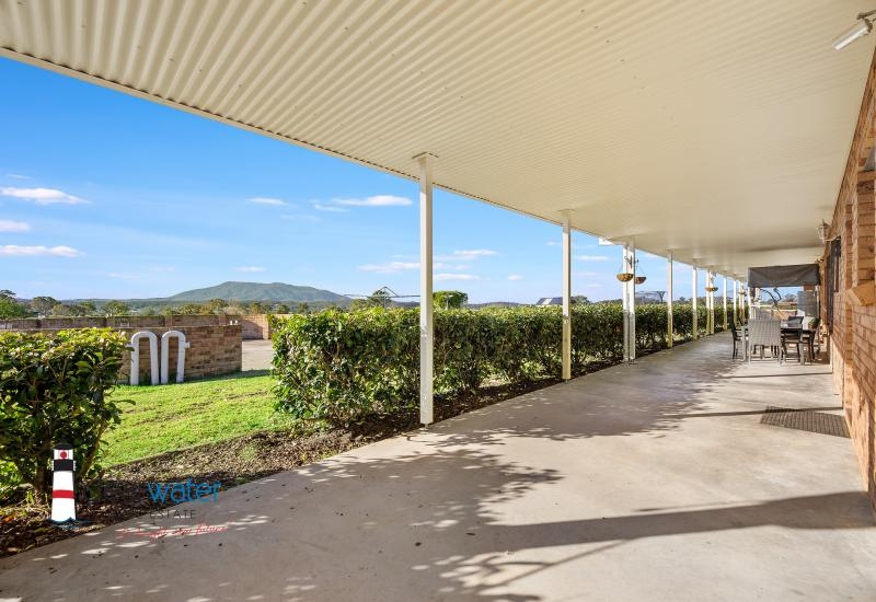 Large Home - 13 Acres - Short Drive to Bermagui