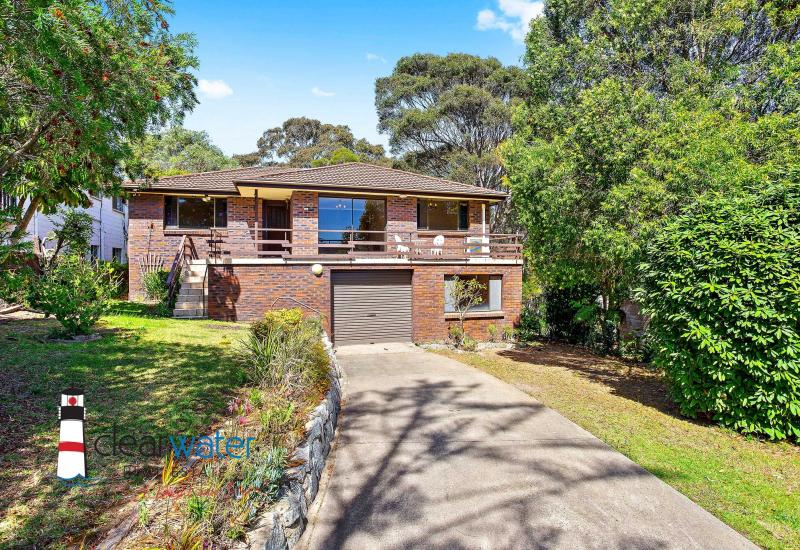 Family Home - Extensive Bush Views With Reserve At Rear @ Dalmeny