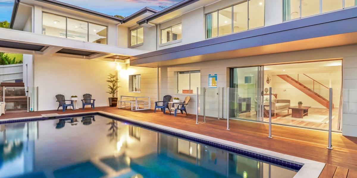 Classic Alex Beach Family Home