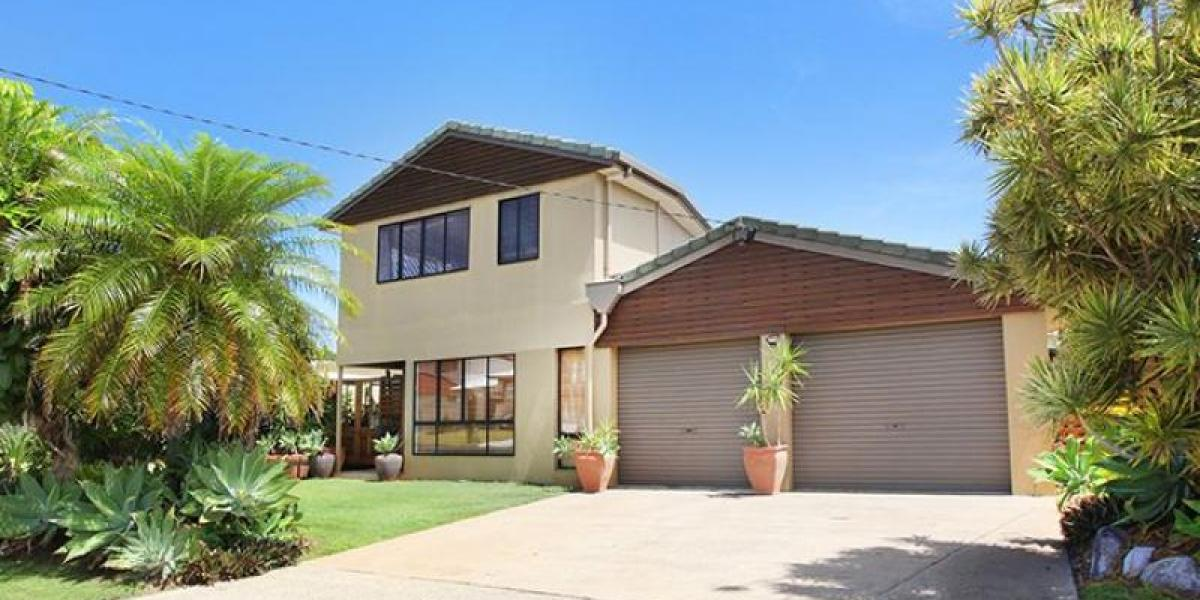 PRICE REDUCED -Buddina beach beauty with plenty of bang for $$$$