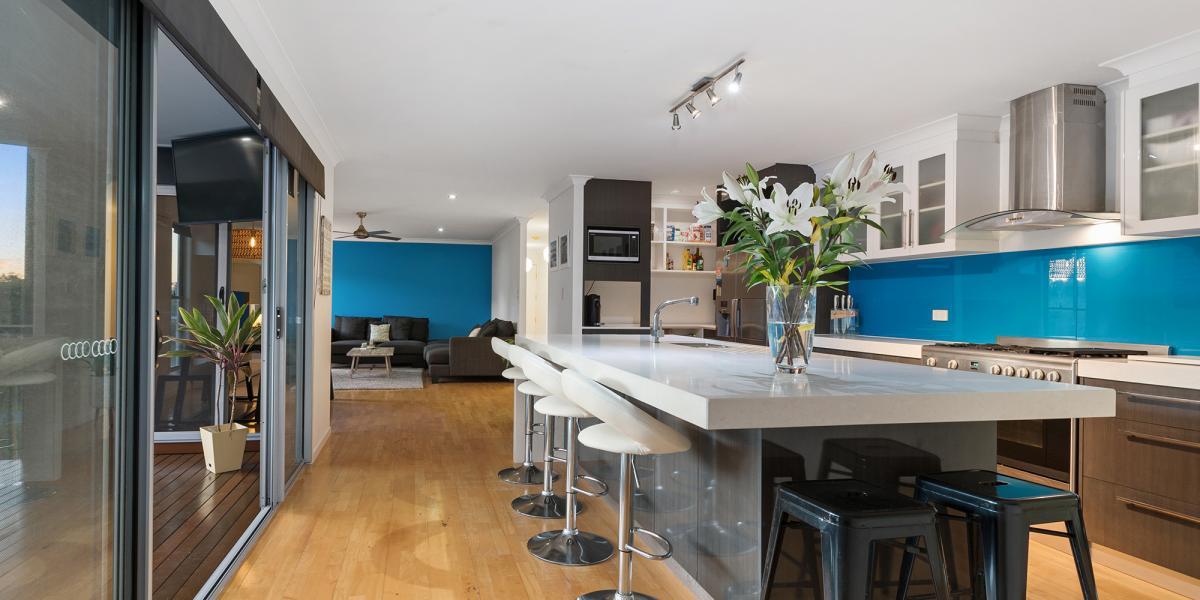 Sparkling Ultra Modern Kitchen