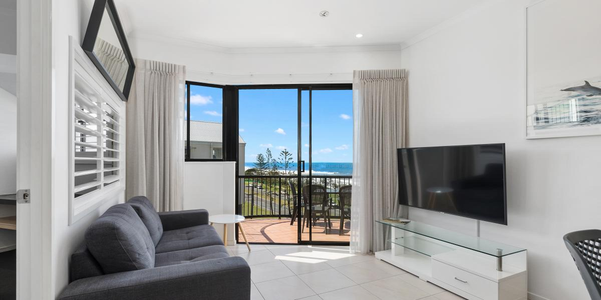 Investor's Dream, $285,000 Beachfront Unit ALEX BEACH