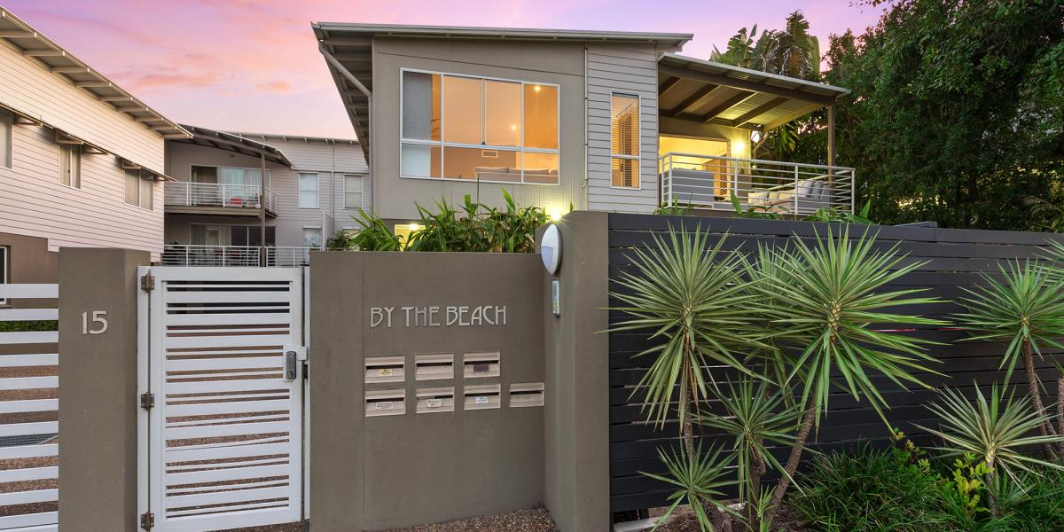 Alex Main Beach – Your New Front Yard