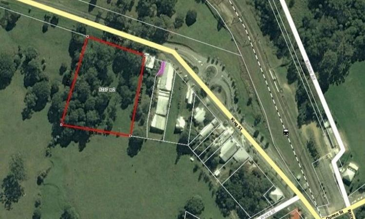 Commercial Space PLUS Residence Opportunity!