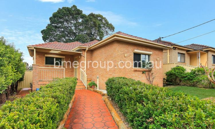 Opposite to Holroyd Garden Plus Great Home Business Potential