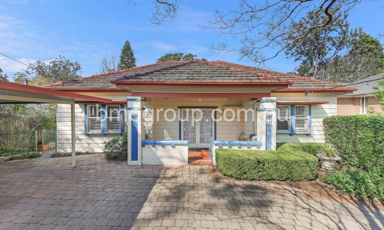 Classic Family House in Epping