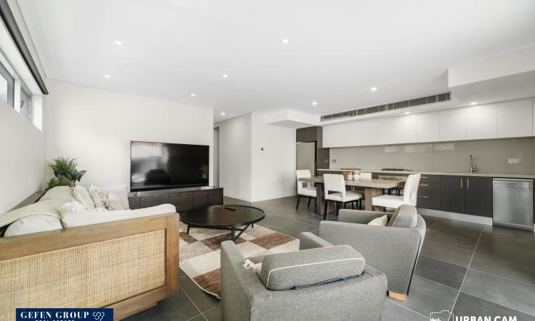 Modern two-bedroom apartment for rent in the heart of Bondi Beach