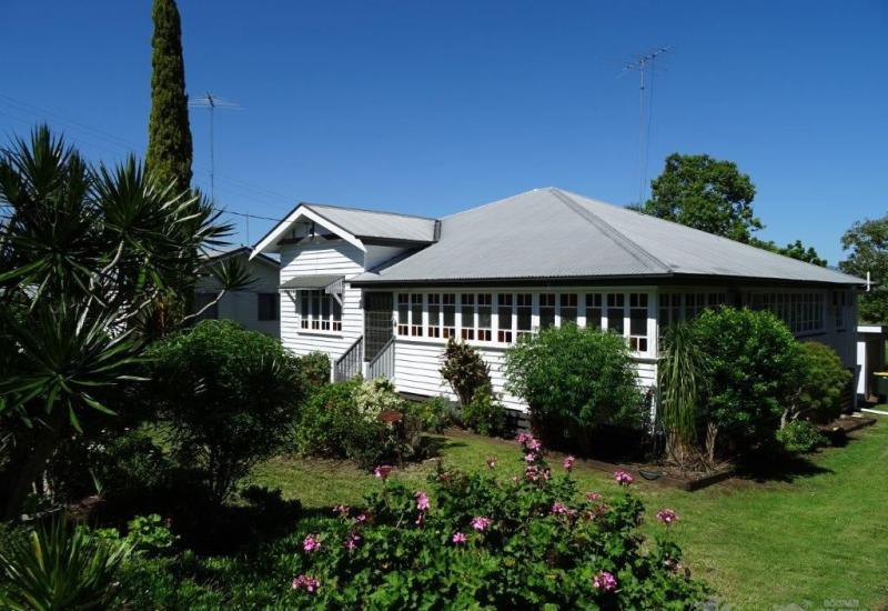Beautiful Queenslander in Great Location