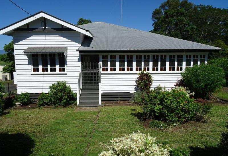 Beautiful Queenslander in Great Location