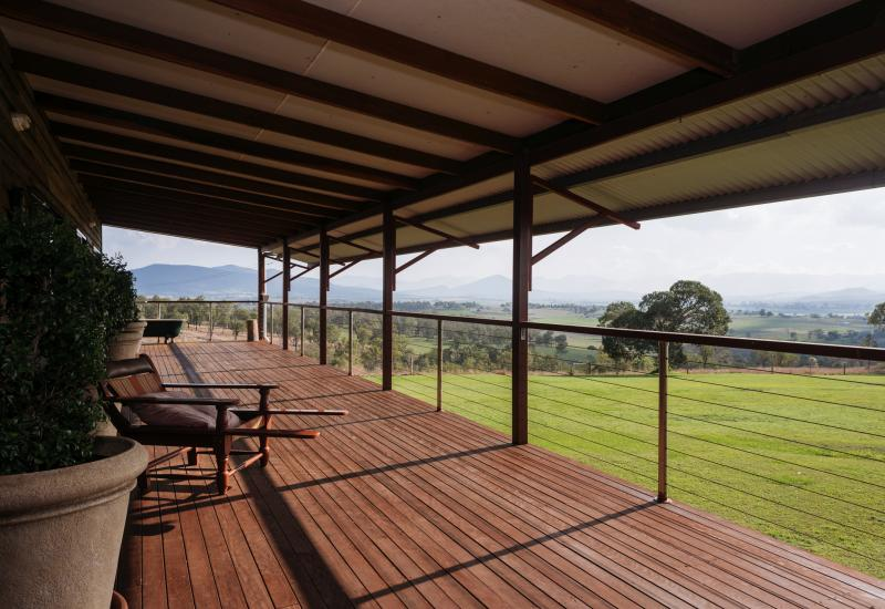 Overlooking Fassifern Valley    – Lifestyle on 93 Acres