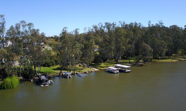 200m MURRAY RIVER WATER FRONT