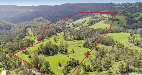 Lush Grazing Country, Minutes to Maleny