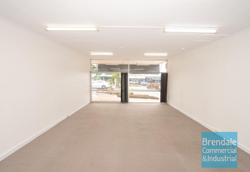 53m2 MAIN ROAD OFFICE OR RETAIL SHOP