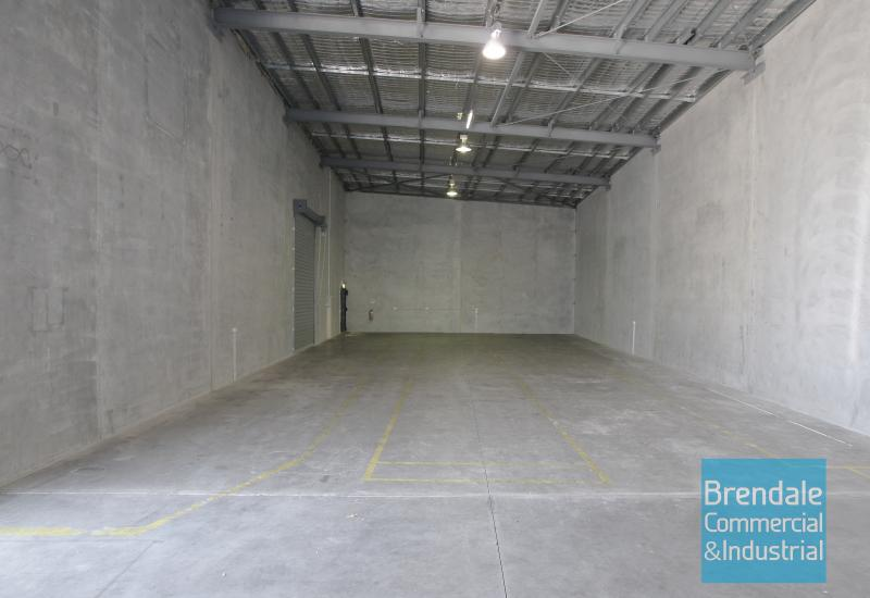 350m2 INDUSTRIAL UNIT WITH OFFICE
