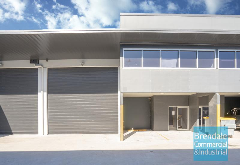 335m2 INDUSTRIAL UNIT WITH OFFICE