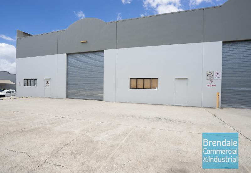 700m2 INDUSTRIAL WAREHOUSE WITH OFFICE