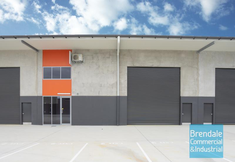 253m2 INDUSTRIAL UNIT WITH OFFICE