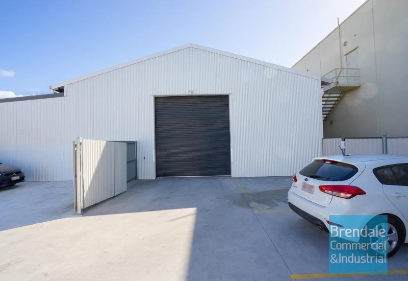 247m2 WAREHOUSE WITH YARD
