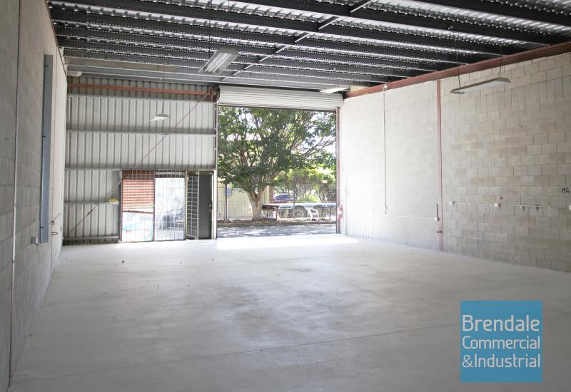 160m2 CLASSIC INDUSTRIAL OR STORAGE UNIT