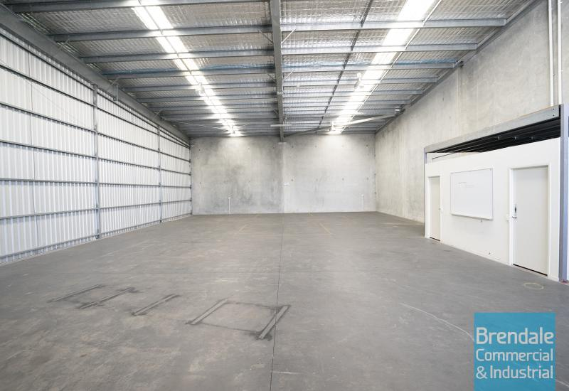 346m2 CLASSIC INDUSTRIAL OR STORAGE UNIT