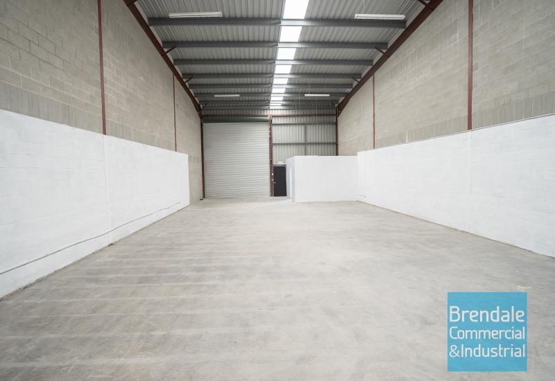 225m2 INDUSTRIAL UNIT