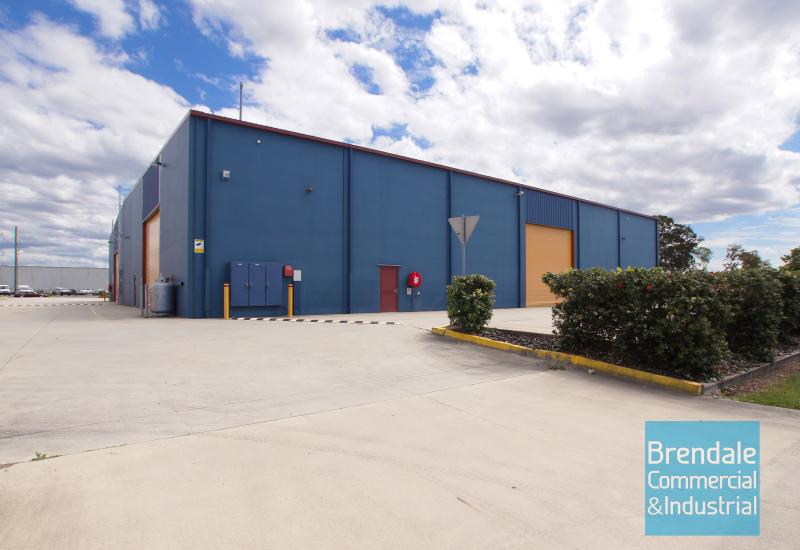 1,126m2 INDUSTRIAL WAREHOUSE WITH OFFICE