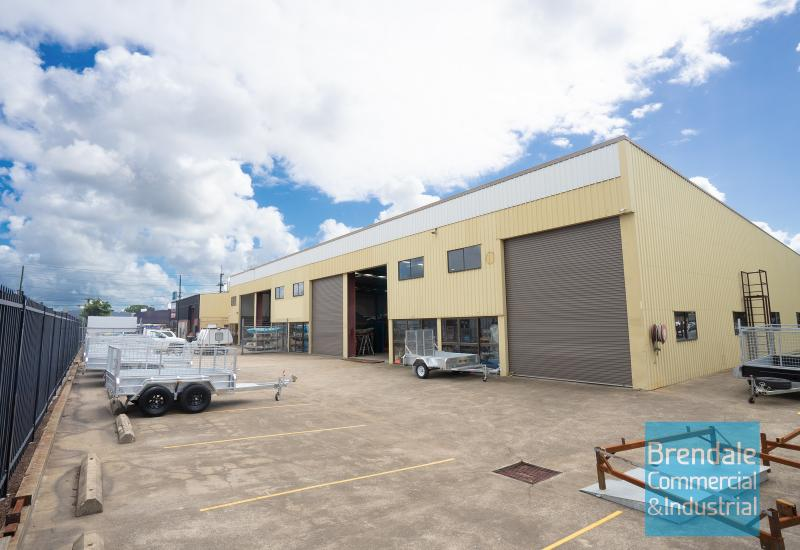 980m2 CLASSIC INDUSTRIAL OR WAREHOUSE