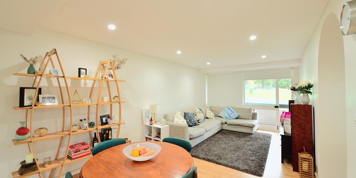 SPACIOUS & STYLIST RENOVATED TWO BEDROOM APARTMENT