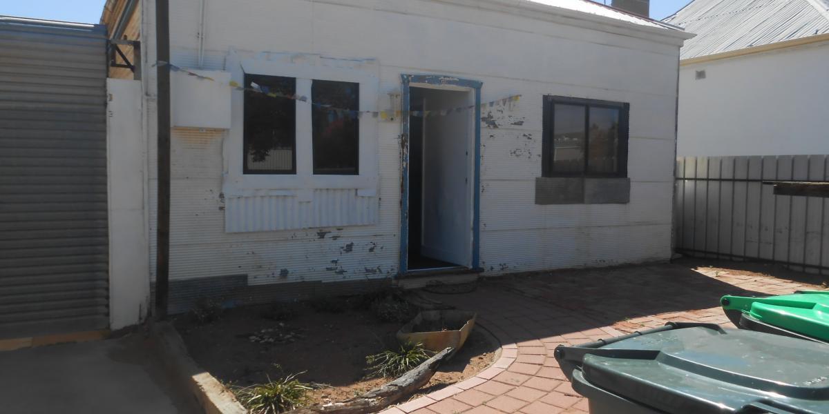2 Bedroom home close to CBD