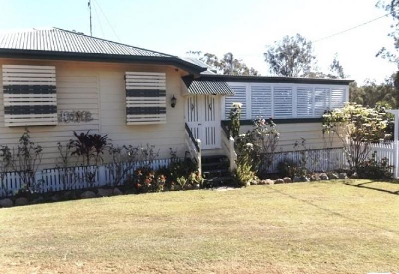 For the large family needing room at Hivesville QLD
