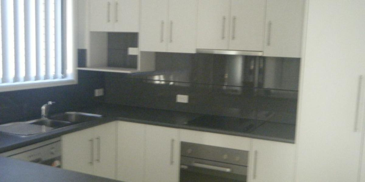 3 BEDROOM PLUS OFFICE CLOSE TO HOSPITALS AND ALL FACILITIES