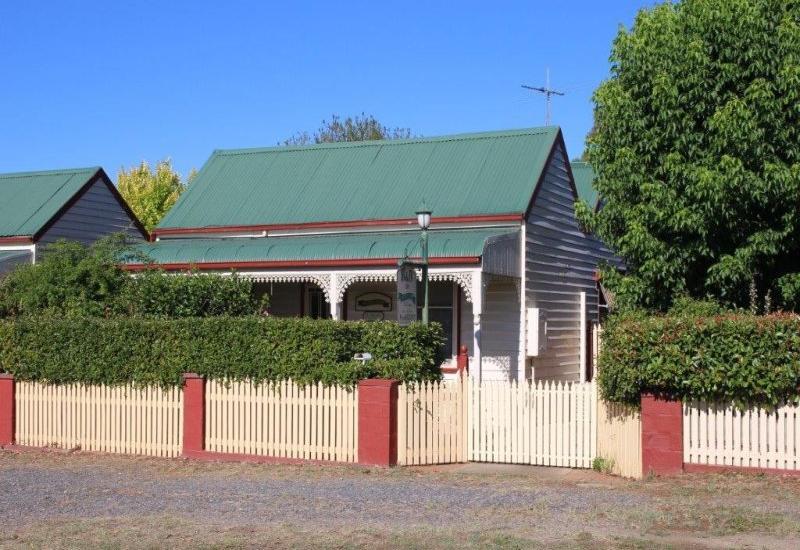 Beautiful three bedroom cottage