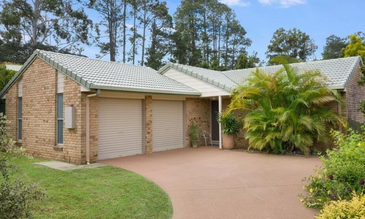 Neat and Tidy 4 Bedroom Brick Home in Palmwoods