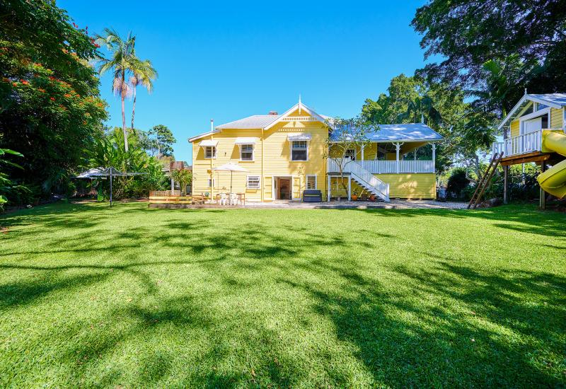 'Jubilee House & Cottage' - Iconic Mullumbimby Property