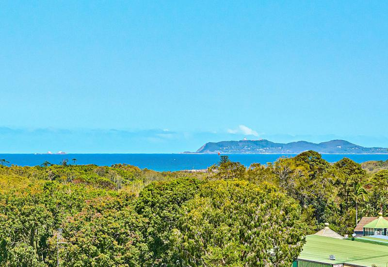Ideal for Sea-Changers - elevation, aspect and huge views!