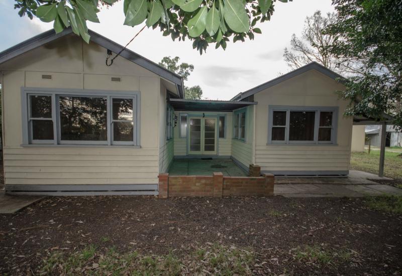 Hillview Cottage - 10 Acres